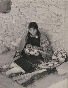 Hopi Woman Basket Weaver  Frasher's, Hopi Reservation, Arizona, no date. Gelatin silver print. Gift of Bob Kapoun. Braun Research Library Collection, Autry National Center; P.49256