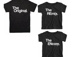 Väter Tag Geschenk passende Familie T-Shirts, Original und Remix passende Hemden, Shirts Match Familie Shirts, Papa Shirts, Sohn Shirts, T-shirt Set T-Shirts müssen EINZELN gekauft werden, um ein Set zu vervollständigen. Der Preis WIRD NICHT angezeigt einen festen Preis. Das Original und The REmix und das Original, der REmix, das ENcore ist ein eingetragenes Copyright KaAn Designs. Copyright © 2015. DAS ORIGINAL: Mama/Papa Tee, lassen die Welt wissen, wo alles entsteht perfekt! Sehen Sie...