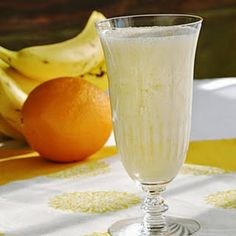 yogurt with orange just smoothie recipe, for those of you who like yogurt and orange you can try to make this recipe, it is also healthy recipes for health