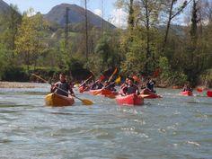 Jaire Aventura os indica el camino: es por aquí, seguirnos!!! Descenso del Sella en canoa para todos los gustos: solo, en pareja, con amigos, con tu mascota... Tenemos canoas de 1, 2 y 3 plazas homologadas.