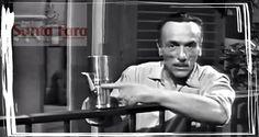 Buongiorno ! 30 anni fa' moriva un grande attore, trasformava in poesia anche una semplice tazza di caffè !! Mito assoluto
