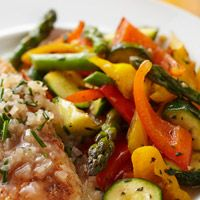 Sauteed Peppers, Asparagus, and Zucchini ~ 9 Carbs Per 3/4 Cup. Makes 4 Servings. Delicious Side Dish For Chicken.