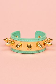 Turquoise and gold and spikes, hello.