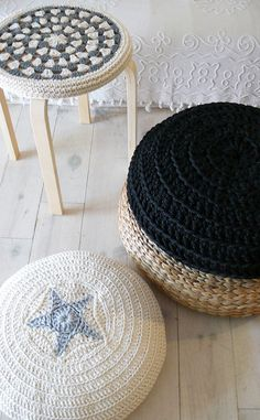 Crochet Stool Cover greey and ecru by lacasadecoto on Etsy, €19.00 ♥