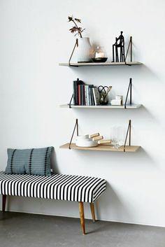 étagère murale design insolite en bois, plante verte, salon, mur blanc,