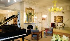 Mollies romantic boutique hotel accommodation in Auckland city New Zealand, small luxury hotel