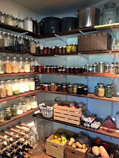 13 Genius pantry organization ideas that will leave you speechless Pantry storage, Kitchen organization, H – Experience Of Pantrys Pantry Room, Kitchen Organization Pantry, Pantry Storage, Kitchen Pantry, Diy Kitchen, Kitchen Storage, Home Organization, Kitchen Decor, Organized Pantry