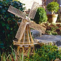 Perfect if you don't have room for a vegetable garden & are trying to save a few bucks! Wooden Windmill, Geodesic Dome, 3d Puzzles, Wood Plans, Amazing Gardens, Planer, Diy And Crafts, Architecture, Inspiration