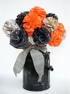 I am so excited for Halloween this year. My two youngest are now 2 and 3 so they will have much more of an appreciation for it! Easy Halloween Decorations - Halloween Crafts Made with Paper - Good Housekeeping Spooky Halloween Crafts, Easy Halloween Decorations, Halloween Birthday, Halloween Projects, Holidays Halloween, Happy Halloween, Halloween Flowers, Halloween Centerpieces, Halloween Labels
