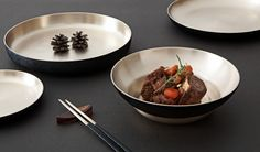 Full Moon dinnerware set has the curvature of the rich full moon. It will make a wonderful match with any other tableware and will fit into any desired space. This set comprises one large-sized bowl that can be used for various purposes and two plates of different sizes.