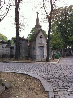 Pere La chaise cemetery Paris