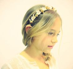 Coronas y tocados de flores para las niñas de Ontop Barcelona