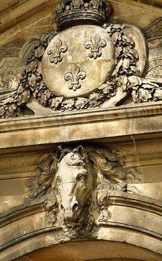 Caratouche with Fleur De Lis detail at Versailles ~ France Chateau Versailles, Palace Of Versailles, Amazing Architecture, Architecture Details, Palaces, Paris, Louis Xiv, French Chateau, Horse Head
