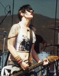 Brody Dalle Tim Armstrong, Brody Dalle, The Distillers, Josh Homme, Human Poses Reference, Women Of Rock, Rocker Chick, Rock And Roll Bands, Female Guitarist