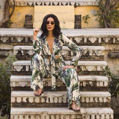 18.6m Followers, 904 Following, 4,938 Posts - See Instagram photos and videos from Shay Mitchell (@shaymitchell)