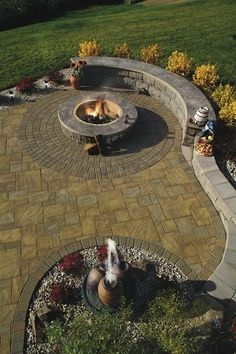 Wood-Burning or Gas #Firepit, What's Your Style? -Cambridge Paving #HomeOwnerTips