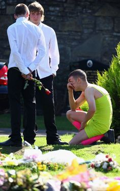 Before British soldier Kevin Elliot left for Afghanistan, he jokingly made a pact with his best friend Barry Delaney. Elliot wanted to make it clear before he shipped out that, if he were to ever be killed in action, Delaney had to wear the ugliest dress he could possible find to his funeral. Delaney, of course, agreed to the dark, but undeniably funny request