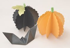 Halloween Table Decor Kit, origami bats and pumpkins, beautiful paper decorations by PaperButterfliesM on Etsy