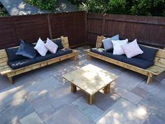 Hodders & Murray Producing tables & benches from reclaimed Scaffold boards . Outside Furniture, Timber Furniture, Diy Outdoor Furniture, Farmhouse Furniture, Garden Furniture, Outdoor Sofa, Wooden Sofa Set Designs, Garden Sofa Set, Wooden Garden Benches