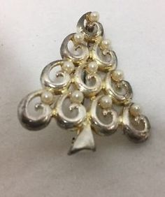 Christmas tree brooch, silver and gold tone, faux pearls: