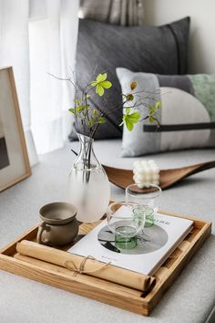 Modern Interior, Interior Styling, Interior Design, Cool Kids Rooms, Decorating Coffee Tables, Bay Window, Bedding Sets, Small Spaces, Furniture Design