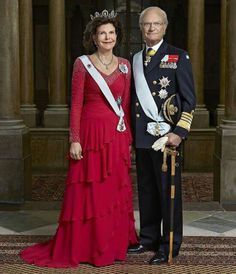 Swedish Royal Court published new official photos of King Carl XVI Gustaf of Sweden and Queen Silvia of Sweden. These photos were taken and published by photographer Peter Knutson on the occasion of 70th birthday of King Gustaf of Sweden.