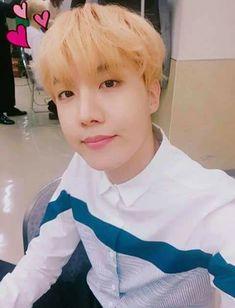 Page 4 Read from the story Hyung~ [YoonMin] by (YoonMinForever) with reads. JungKook: Wow, me encanta como. Gwangju, Namjoon, Taehyung, Jimin, Bts Bangtan Boy, Bts Boys, Jung Hoseok, J Hope Selca, Bts J Hope