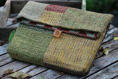 Extraordinary stylish handmade pouch/clutch by sassafrasdesignl Pin Weaving, Loom Weaving, Tapestry Bag, Tapestry Weaving, Art Du Fil, Peg Loom, Weaving Projects, Tear, Weaving Patterns