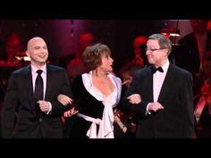 Pedazo de actuación que nos regalaron Patti LuPone, George Hearn y Michael Cerveris durante el concierto-celebración del 80º cumpleaños de Stephen Sondheim. Con todos ustedes, 'A Little Priest' de 'Sweeney Todd'... con una Sra. Lovett y dos Sweeneys. Acojonante.