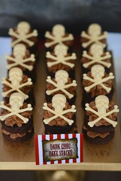 Ahoy Me Hearties a Fantastic Pirate Party Cakes Pirate Birthday, Boy Birthday Parties, Pirate Baby, Party Desserts, Party Cakes, Pirate Food, Pirate Theme, Cupcakes, Cupcake Cakes