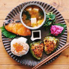 作ってみたい!和食を華やかにする「和ンプレート」ごはんの盛り付け方 - Locari(ロカリ) Food Set Up, Japanese Dishes, Japanese Food, Salty Foods, Food Combining, Exotic Food, Clean Recipes, Food Presentation, Food Design