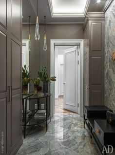 """Console and Vase, Crate and Barrel; couch, Any Home; The cabinets are made in the workshop """"Non-standard furniture"""". Classic Living Room, Living Room White, Living Room Modern, Best Interior, Home Interior, Interior Design, Interior Decorating, Wallpaper Iphone Liebe, Contemporary Hallway"""