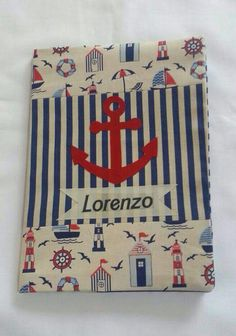 Capa para caderneta de vacinação Fabric Book Covers, Fabric Journals, Needle Book, Journal Covers, Smash Book, Craft Fairs, Baby Quilts, Book Art, Projects To Try
