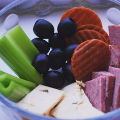 Snacks for breakfast, easy to eat in the car!  #lazylowcarb #keto #ketodiet #atkins #olives #cheese #celery #snack #diet #ketosis #pepperoni #loseweight #breakfast #goodmorning #yum #wakeup #induction #ketosis #ketosnack #lowcarbsnack #lowcarb