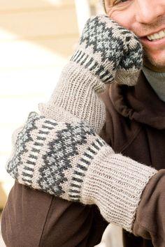 Fingerless Mittens, Mitten Gloves, Knitting Socks, Arm Warmers, Knitting Patterns, Knit Crochet, Wool, Knits, Sweaters
