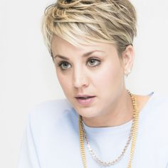 kaley cuoco short hair | Kaley Cuoco Short Blond Hair