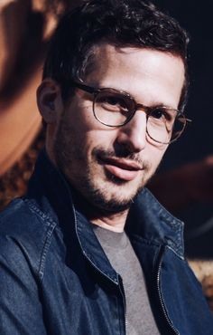 Andy Samberg// he's gorgeous 😍 Andy Samberg, Brooklyn Nine Nine, Gorgeous Men, Beautiful People, Jake And Amy, Jake Peralta, Famous Men, Celebs, Celebrities