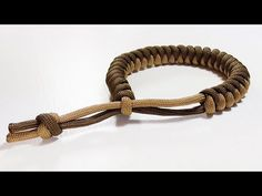Paracord Tutorial: 2 Color Snake Knot Bracelet With Mad Max Closure - YouTube