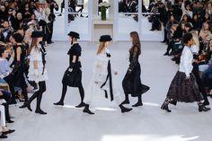 @Lightaholic #parisfashionweek #Chanel #fashionshow #fashion #baneasashoppingtrends #baneasashoppingcity