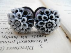 Prom Plugs, Flower Plugs, Mums, Pretty Blossoms in Black Plugs Earrings, Gauges Plugs, Traditional Tattoo Old School, Traditional Tattoos, Neo Traditional, American Traditional, Sleeve Tattoos, Tattoo Ink, Leg Tattoos