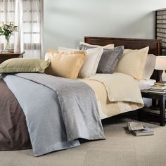 This elegant Duvet Cover set collection features an elaborate paisley in a choice of several attractive colors. Richly detailed, the pieces in this machine washable set easily add a casual sophistication to the bedroom.
