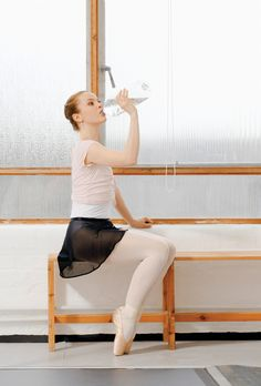 Learn the importance of hydration for dancers! (Photo courtesy Thinkstock.com)