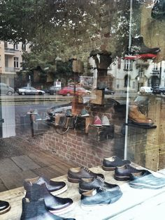 Shoes store design Shoe Store Design, Shoe Stores, Shoes, Ideas, Zapatos, Shoes Stores, Shoes Outlet, Shoe, Thoughts