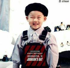 Jooheon looks so similar and so cute