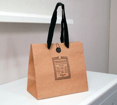 papaer bag Design Print Graphic Fashion 紙袋 デザイン 印刷 グラフィクデザイン ファッション Craft Packaging, Food Packaging Design, Bag Packaging, Shopping Bag Design, Paper Shopping Bag, Shoping Bag, Bakery Bags, Paper Bag Design, Print On Paper Bags