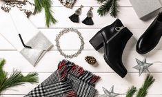 sesja świąteczna, botki na słupku, biżuteria, kolczyki, kopertówka Shoes, Fashion, Moda, Zapatos, Shoes Outlet, Fashion Styles, Shoe, Footwear, Fashion Illustrations