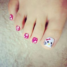 I am showcasing cat face toe nail art designs and ideas of 2014 for girls. Look after your feet and nails so your beauty is never undermined from any angle Pedicure Nail Designs, Toe Nail Designs, Manicure And Pedicure, Nails Design, Cute Toe Nails, Toe Nail Art, Pretty Nails, Nail Art For Kids, Hello Kitty Nails