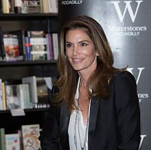 Cindy Crawford at the Becoming book signing at Waterstone's Piccadilly in London.jpg