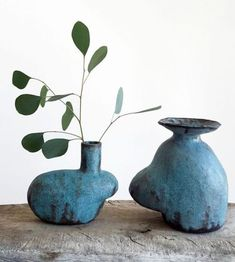 ceramic vases bleus blue by maryam riazi interview / pottery clay bl Glass Ceramic, Ceramic Clay, Ceramic Pottery, Pottery Art, Slab Pottery, Pottery Studio, Ceramic Bowls, Keramik Vase, Ceramic Studio