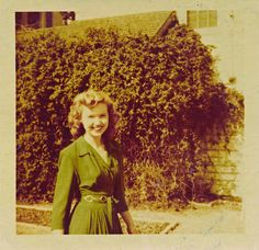 Lady in green, 1940's
